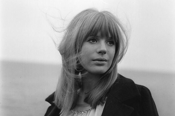 Marianne-Faithfull-in-June-1965